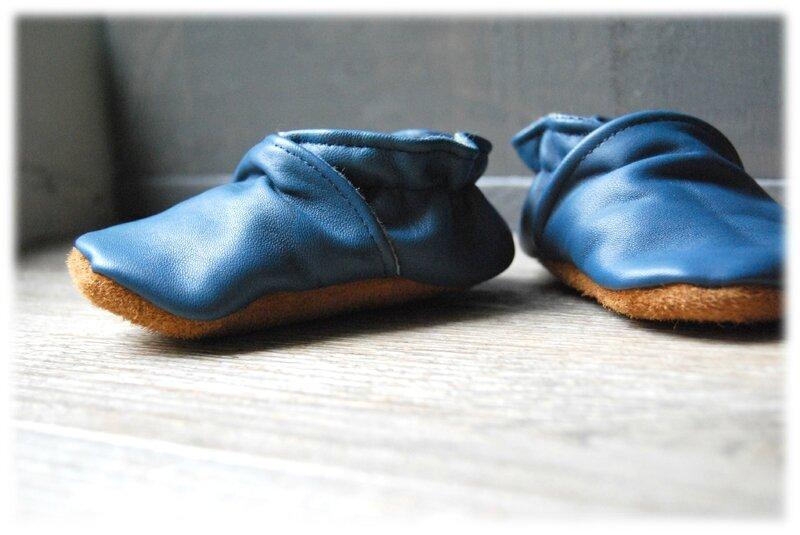 chaussons cuir bleu