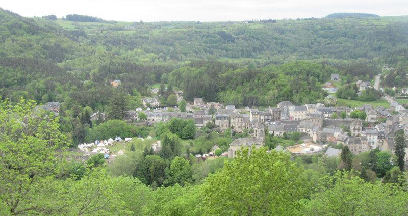 Vue du camp (à gauche) depuis le château