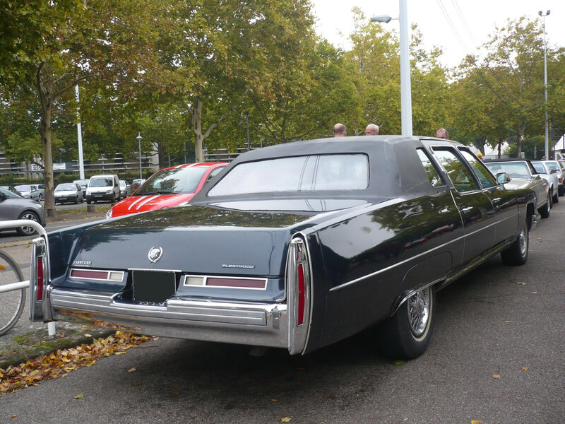 CADILLAC Fleetwood Series 75 4door Sedan 1976 Strasbourg (2)