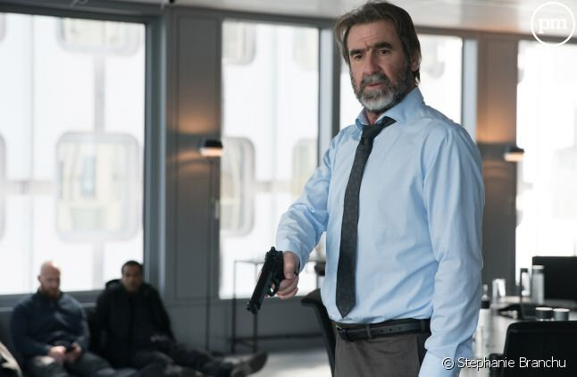 4631737-eric-cantona-dans-derapages-article_media_image-2