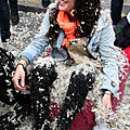 40-Pillow fight 12_4507