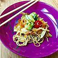 Salade de nouilles sautées au gingemnre et à l'ail