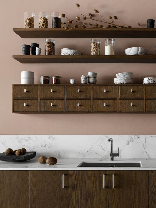 est-living-nordic-style-kitchen-nordiska-kok-food-pharmacy-shelf