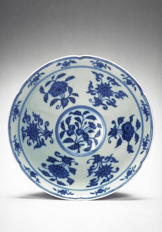 Bowl with six-foliate rim, Ming dynasty (1368-1644), Reign of the Xuande emperor (1426-1435)2