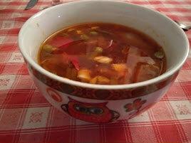 Soupe de légumes chinoise aux champignons noirs et tofu