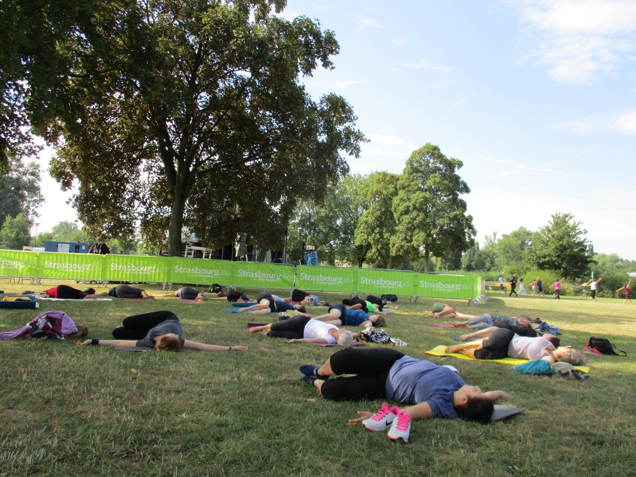 Atelier yoga-relaxation dans le cadre des pratiques douces en partenariat  avec la Ville de Strasbourg 6ea2329af96
