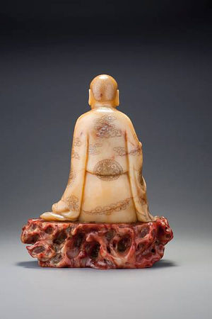 A_large_carved__huang_furong__figure_of_a_luohan2