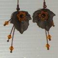 Feuilles noires et Fleur orange - 10€ (sans les FDP)