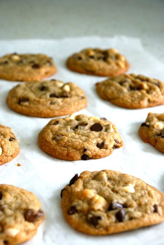 The perfect crispy-chewy chocolate chip cookies - A frog in the kitchen