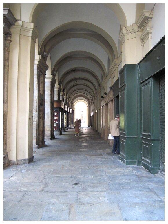 Un petit bout des 18 km d'arcades