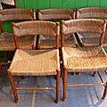 Suite de cinq chaises paillées