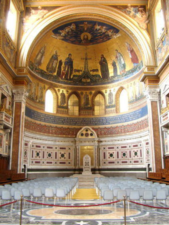 DSC01563___ROME___SAINT_JEAN_DE_LATRAN___L_abside_en_cul_de_four