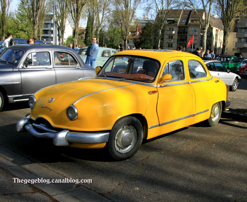 Panhard dyna Z luxe (1956-1959)(Retrorencard avril 2011) 01