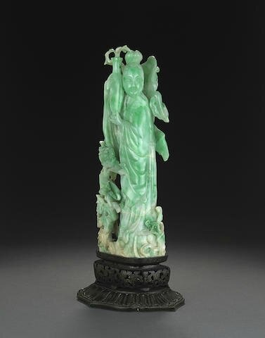 A fine jadeite carving of a beauty, Late Qing-Republic period
