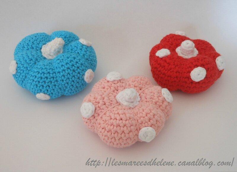Pique-aiguilles à pois - Crochet 2014