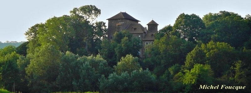 2) chateau Montiracle