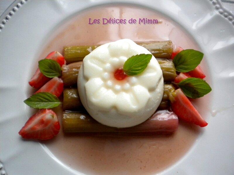 Panna cotta vanillée et sa rhubarbe pochée 5