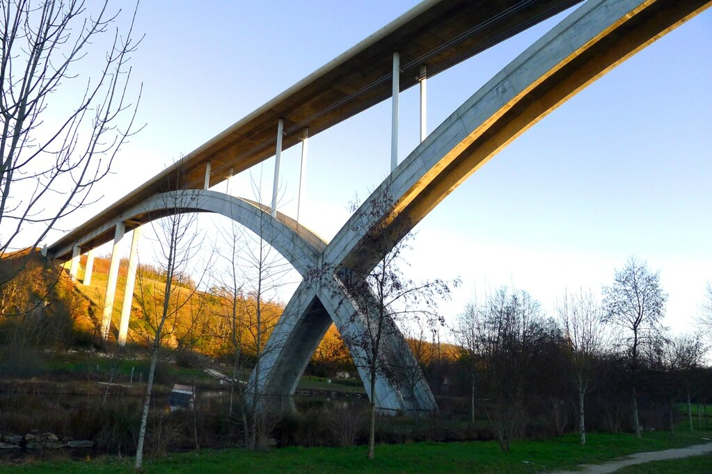Pont Anguienne.