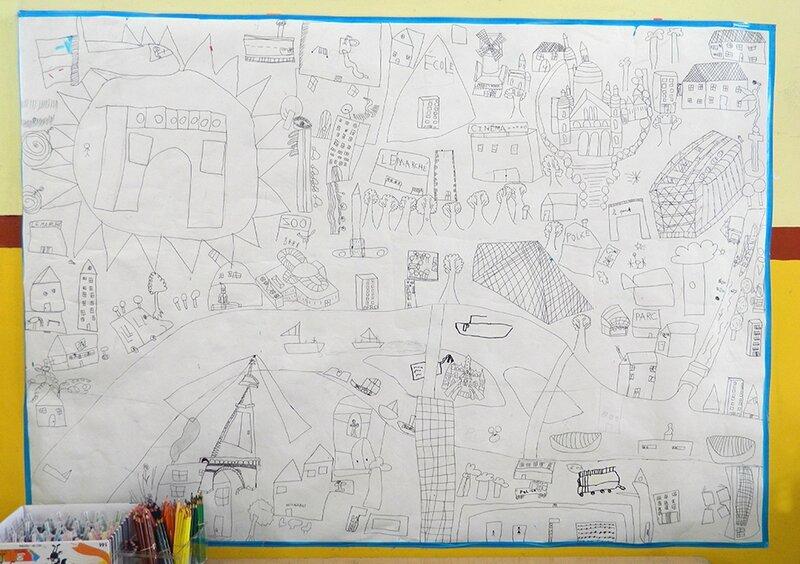coloriage géant paris, activité enfant,centre de loisirs,OMY By Omy