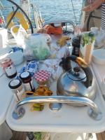 Petit déjeuner dans la baie au sud d'Akra Fonia 111116