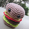 Test crochet - amigurumi cheeseburger...