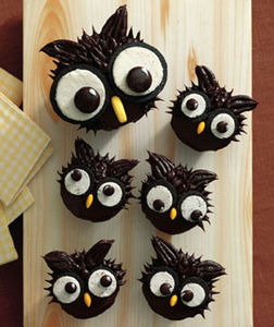 Owl_Cupcakes__realsimple_