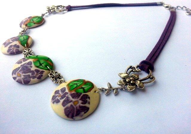 Collier fleurs violettes Fimo par passionnella