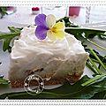Cheesecake au roquefort, tuc et carré gervais aux poires.......
