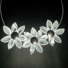 collier-collier-3-fleurs-grises-perle-satin-6736551-20140104-1312294f11-a4953_236x236