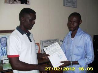 remise attestation de formation au sein de notre siege au cameroun