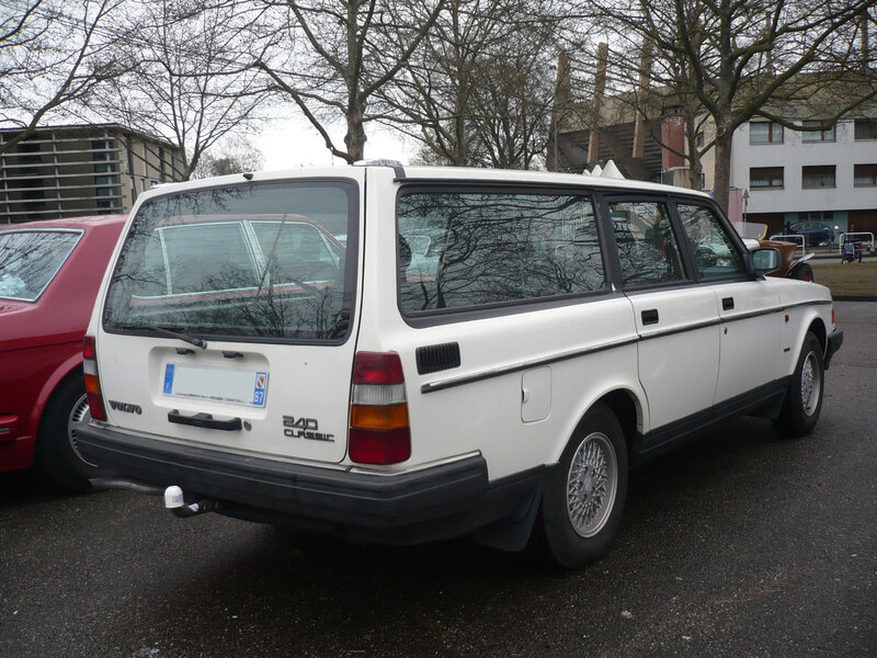 VOLVO 240 Classic Super break Strasbourg (2)