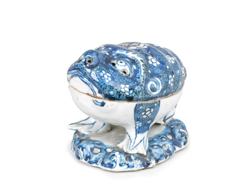 A rare blue and white 'three-legged toad' incense burner and cover, Late Ming Dynasty