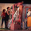 Le théâtre de Germaine - Il court, il court le muret...