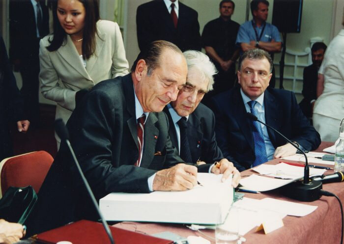 copyrightElysée_accorddecoopérationfranco-russe1994-700x497