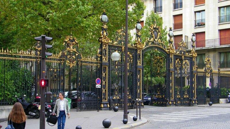 parc-monceau-grille-1229123596