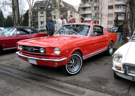 Ford_mustang_2_2_fastback_coupe_de_1966__Retrorencard__01