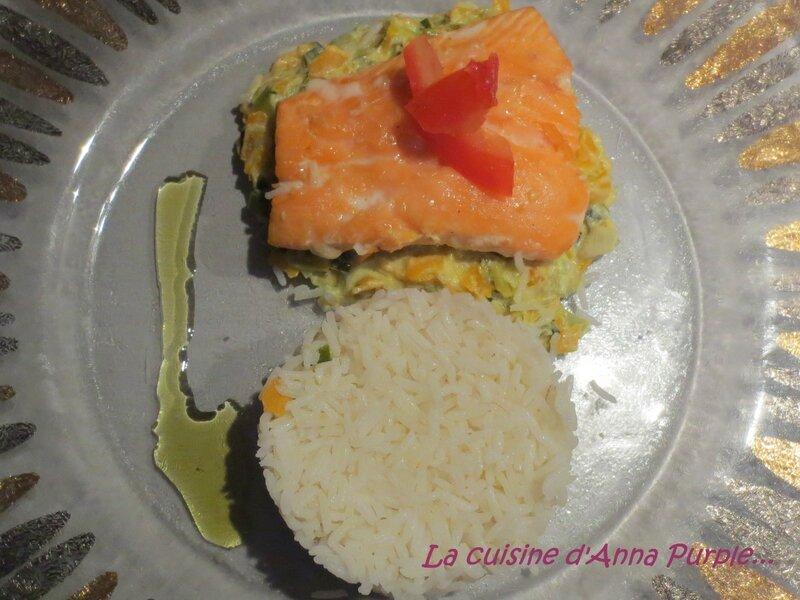 saumon a luniterale julienne de poireaux et carottes et riz blanc