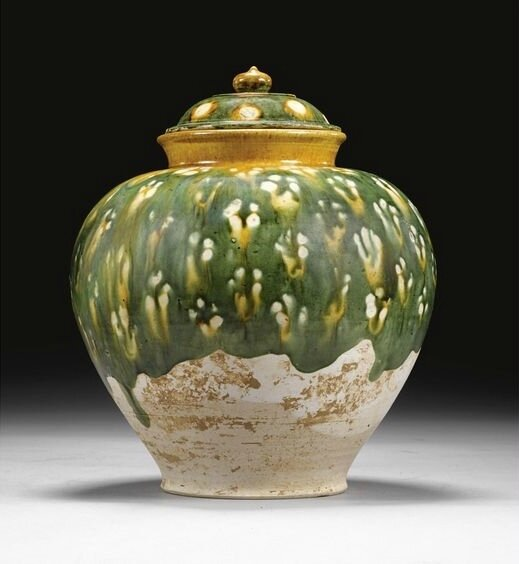 A sancai-glazed pottery jar and cover, Tang dynasty