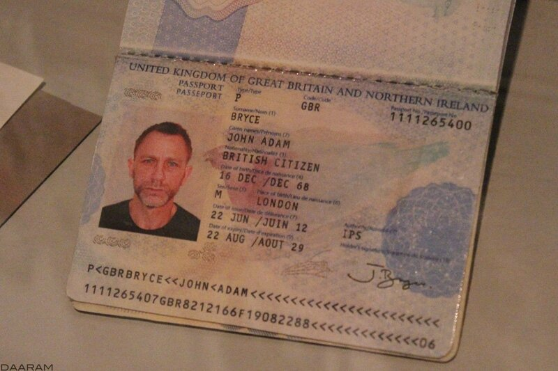 James bond played by Daniel Craig's fake passport in 2012 for the« Skyfall » movie (?) Photo: Olivier Daaram Jollant © 2016