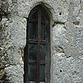 Fenêtre dans un contre-fort