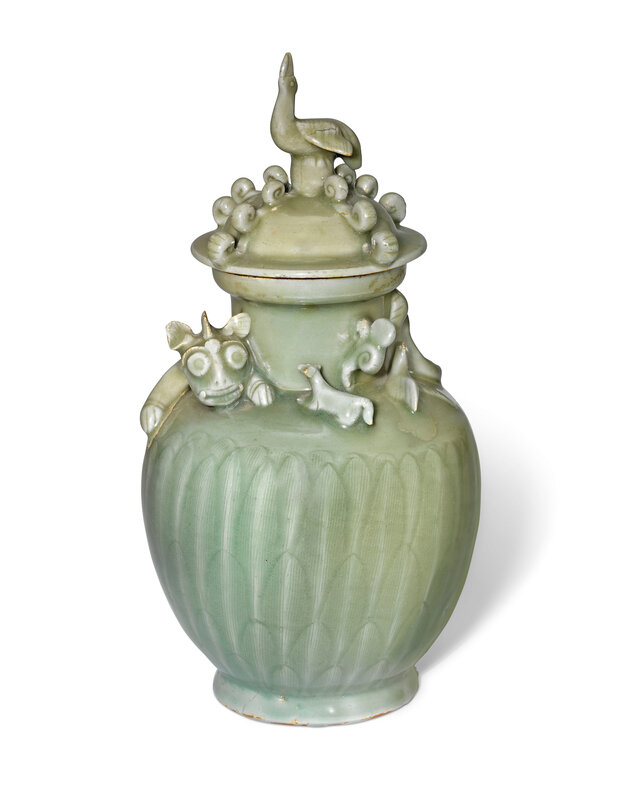 2019_CKS_17114_0057_000(a_longquan_celadon_dragon_urn_and_cover_southern_song_dynasty) (1)