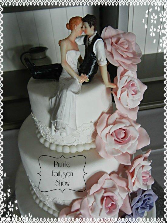 gateau de mariage cascade de roses prunillefee 3