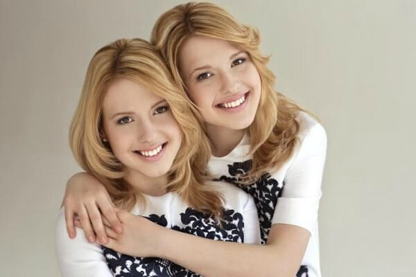 russia tolmachevy twins