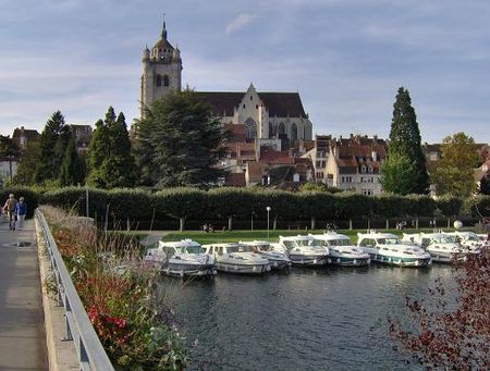 Dole passerelle sur le canal du Rhône au Rhin