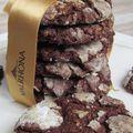 Biscuits craquelés au chocolat et au praliné