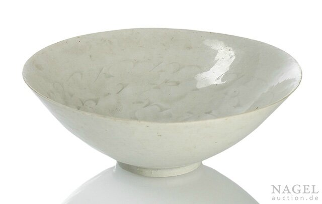 A Qingbai porcelain bowl with incised decoration, Southern Song dynasty (1127-1279)