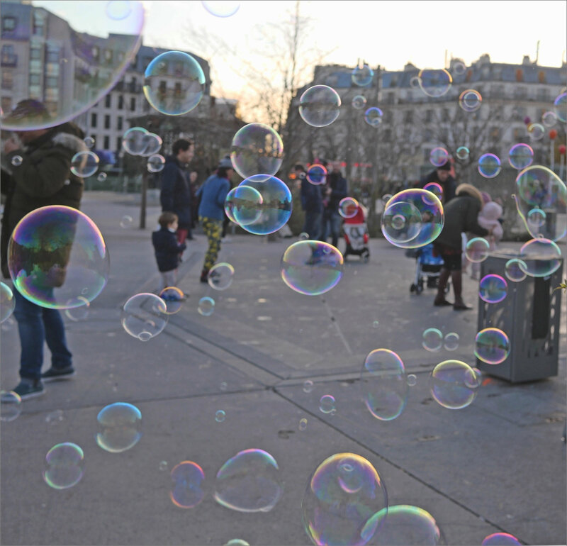 Paris 141219 lumix ym 141 bulles
