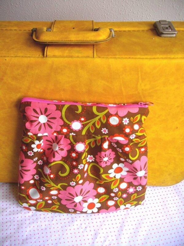 trousse de toilette- handmade-blog-couture-tissu vintage-rose-marron