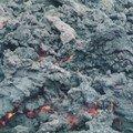 Eruption du volcan b