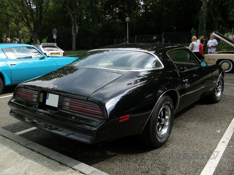 pontiac-firebird-formula-400-1976-b
